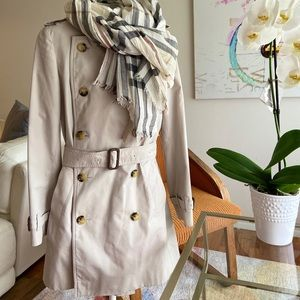 Burberry Trench coat US 2 and Burberry scarf
